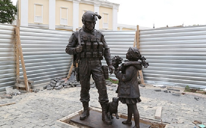В окупованому Криму ставлять другий пам'ятник із солдатом і котом: опубліковано фото