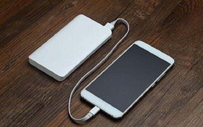 Какие универсальные мобильные батареи надежные ?
