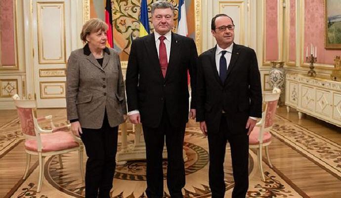 Порошенко, Меркель и Олланд обсудили выполнение минских договоренностей