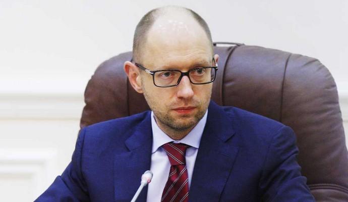 Правительство стабилизирует объемы кредитования - Яценюк