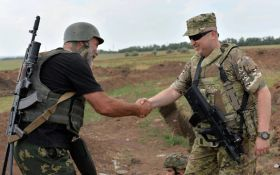 Снайпер ВСУ: К приезду Турчинова на Донбасс бойцам трактором вырыли окопы