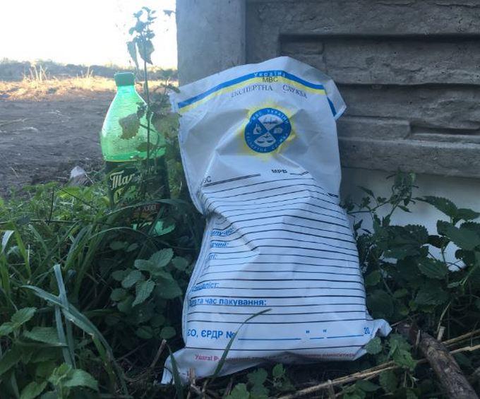 Знахідка звалища з тілами людей під Києвом: з'явилися подробиці, фото і відео (1)