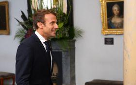 Это нужно увидеть: Макрон представил обновленный символ Франции