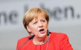 У Меркель вимагають потужної відповіді на агресію РФ проти України