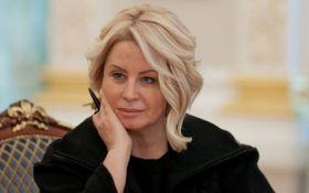Екс-соратниця Януковича знову змінила образ і розвеселила мережа: з'явилося фото