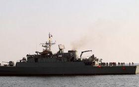 Иран запустил крылатую ракету по своему кораблю, погибли десятки людей - жуткое видео