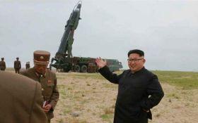 Северная Корея тайно перевозит баллистическую ракету к западному побережью - Reuters