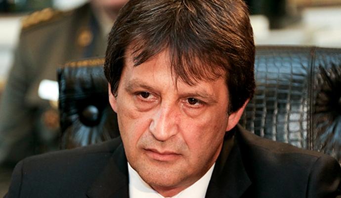 Министра обороны Сербии отправили в отставку из-за сексистской шутки