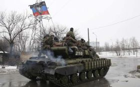 """Готовятся к наступлению: боевики стягивают танки и """"Грады"""" к линии разграничения"""