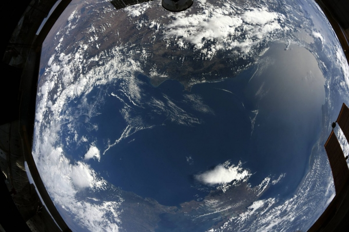 Як виглядає Чорне море з космосу: астронавт показав нове вражаюче фото (1)