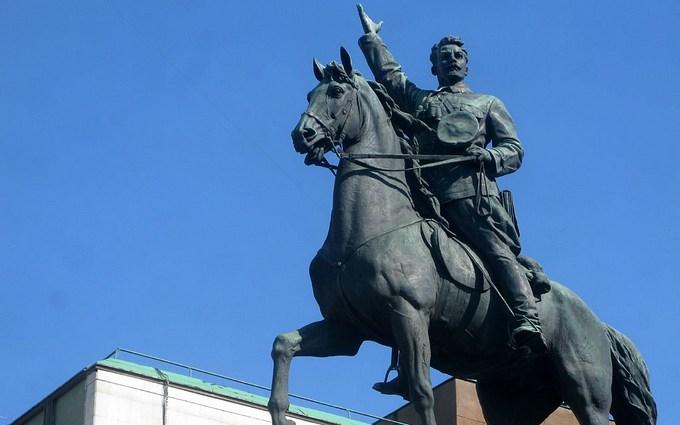 """""""Правий сектор"""" пообіцяв знести пам'ятник у Києві і назвав дату"""