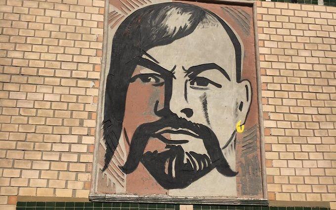 Соцмережі підірвав Ленін-козак на Сумщині: опубліковано фото