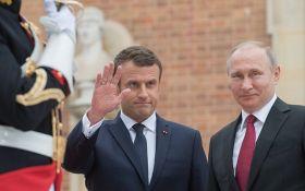 """Макрон заявил Путину о необходимости срочных переговоров в """"нормандском формате"""""""