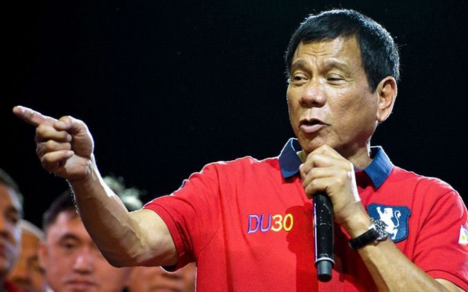 Філіппіни позадкували після слів президента про Гітлера