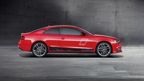 Компанія Audi присвятила спецверсію купе A5 чемпіонату DTM (6 фото) (1)