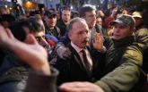 Протесты в Раду в Киеве: разъяренная толпа напала на нардепа