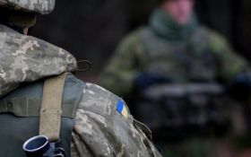Заходили, кто хочет, а машины с донецкими номерами возили лес - иностранец о военной базе в Украине