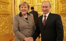 """Кремль анонсував """"нетрадиційні переговори"""" Путіна і Меркель"""