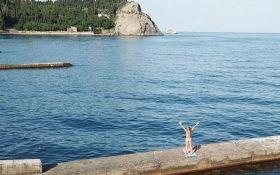 Туризм по-російськи: мережа обговорює нові показові фото з пляжів Криму
