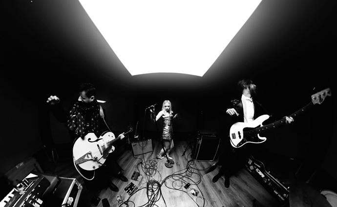 ALLOISE презентует новый альбом 8 марта (видео) (1)