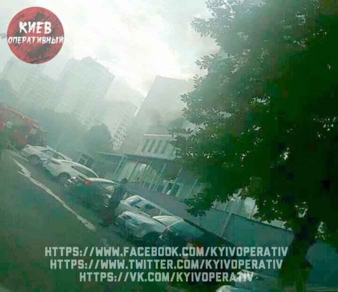 Пожежа в Києві: з'явилися нові подробиці ДСНС, фото і відео (1)
