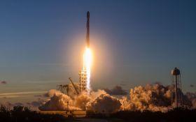 SpaceX провела новый запуск ракеты: появилось видео