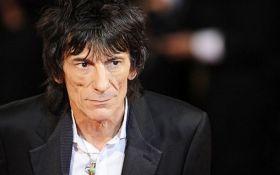 Гитариста Rolling Stones срочно прооперировали