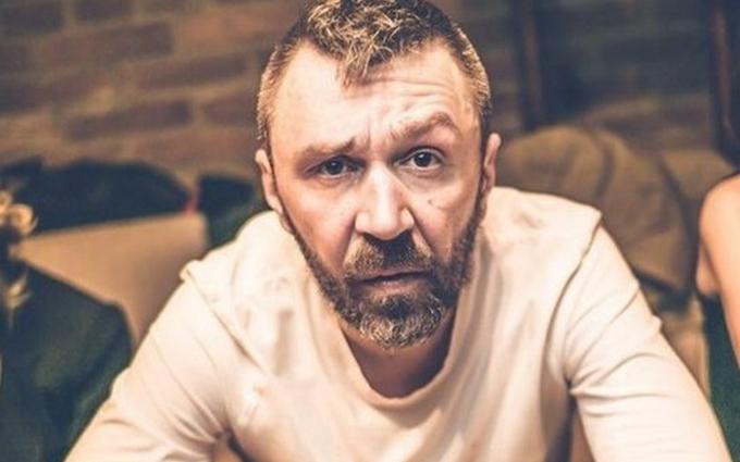 Шнур назло фанатам Путіна виклав фото з українським футболістом