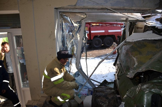 В Николаеве произошло смертельное ДТП с военным бензовозом: появились фото и видео (11)