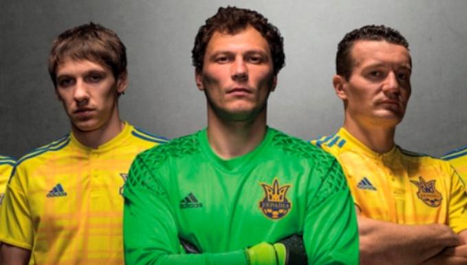 """С дуба упали: ветерана """"Шахтера"""" шокировали цены на футболки сборной Украины"""
