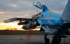 Під час військових навчань на Житомирщині розбився винищувач Су-27, пілот загинув: перші деталі трагедії