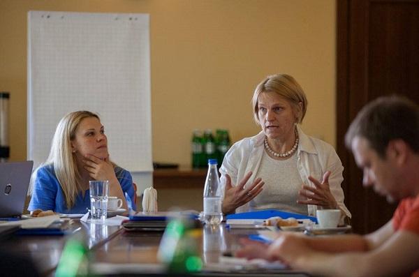 Зупинити епідемію СНІДу - головна мета UNAIDS в Україні (2)