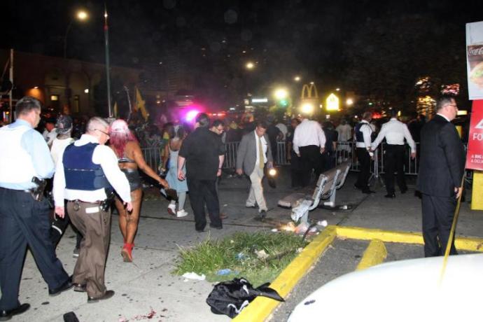 У США відкрили стрілянину на карнавалі, є загиблі й поранені: опубліковані фото (2)
