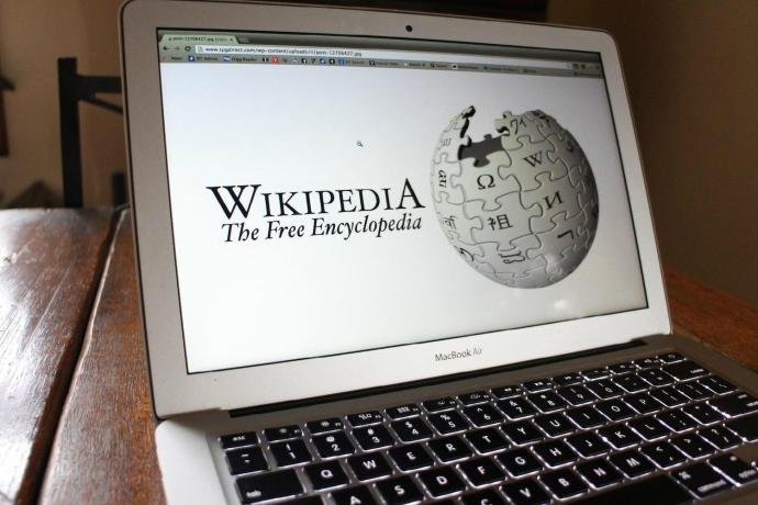 """Сьогодні - День народження """"Вікіпедії"""""""