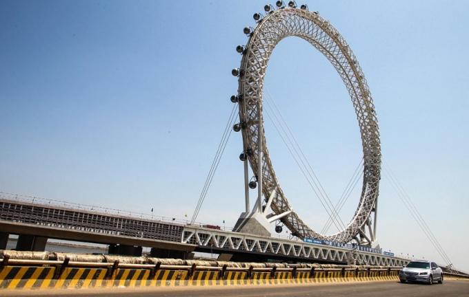 У Китаї створили найбільше в світі оглядове колесо без спиць: з'явилися фото і відео (2)