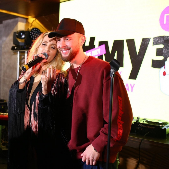 Лобода выступила в России с певцом-защитником Кадырова: появилось фото и видео (1)