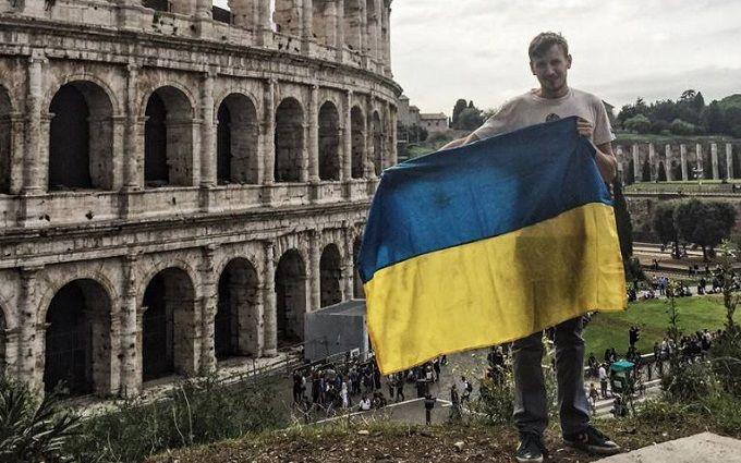 При Януковиче приходилось выступать в стриптиз-баре - Богдан Логвиненко