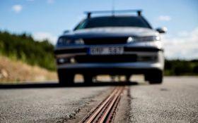 Открыта первая в мире дорога, заряжающая электромобили во время движения