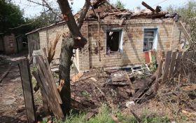 Сховатися ніде, і жити ніде: з'явилося нове відео зруйнованого війною Донбасу