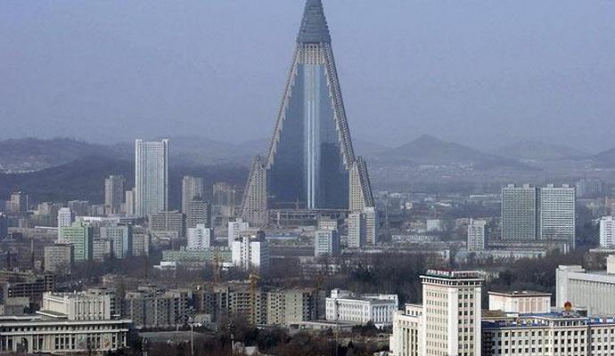 КНДР удерживает зарплаты для продвижения ядерных программ