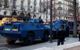 Протести в Парижі: на вулиці міста вперше за 13 років вивели бронемашини