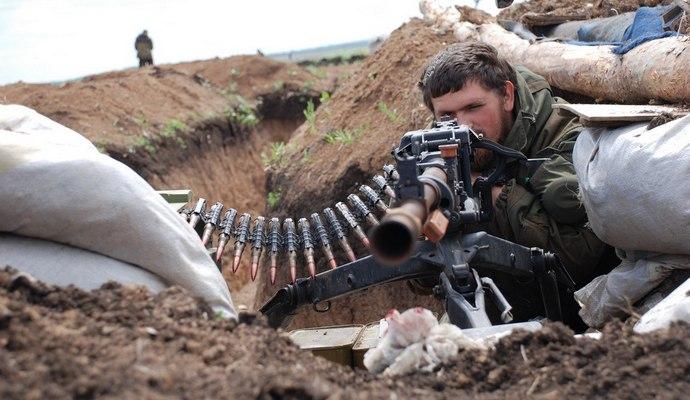 Под Мариуполем боевики обстреляли поселок