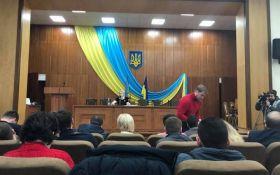 На засіданні міськради під Києвом включили гімн Росії