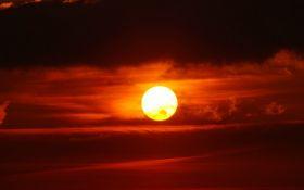 Крупнейшее затмение века: эксперты предупредили об опасном влиянии Кровавой Луны на здоровье