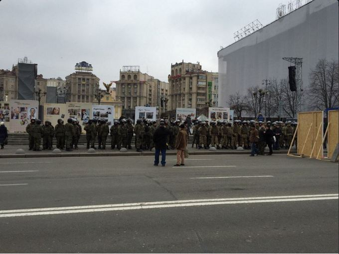 На Майдане остаются палатки: появилось новое фото (3)