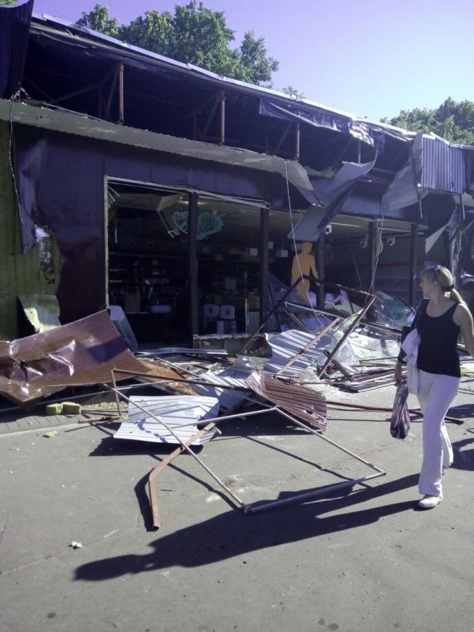 У Києві остаточно знесли незаконний магазин Roshen: з'явилося фото (1)