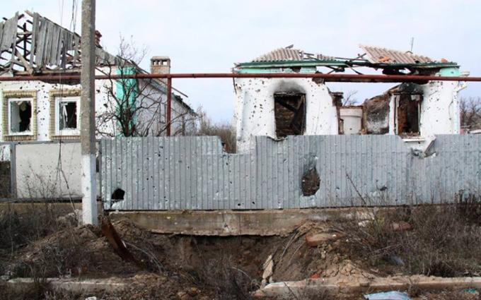 """Ползучая оккупация: боевики собираются захватить еще одно село в """"серой зоне"""""""