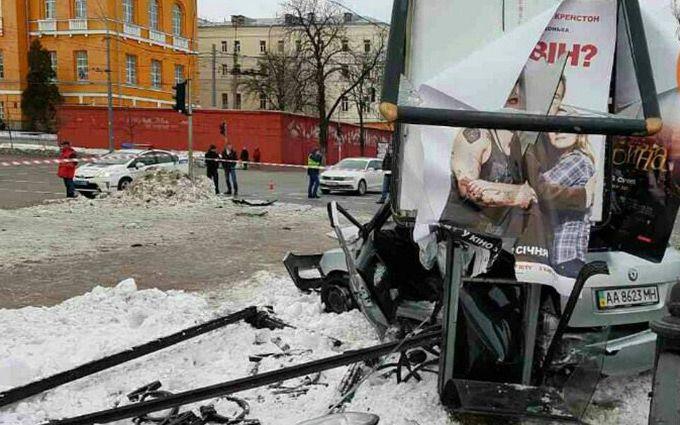 ВКиеве в итоге кровавого ДТП погибла молодая девушка