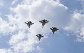 Пентагон: РФ хочет ударить по военным США в Сирии