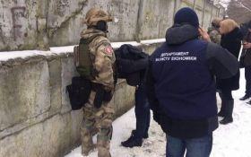 Спецназ затримав главу держпідприємства за величезний хабар: з'явилися фото